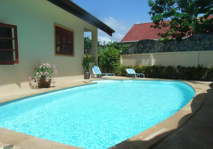 Cozy and private pool villa in NaiHarn